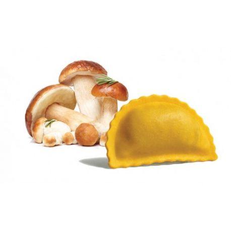 Panzerotti with porcini mushrooms