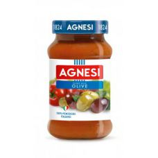 Tomato sauce with olives